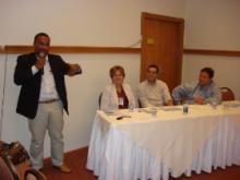 Mesa redonda coordeanda por Prof. Gildásio Carvalho. Na mesa: Prof(s) Dr(s) Maria Betânia Toralles, Manoel Sarno e Carlos Menezes